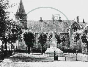 War Memorial and Congregational Church, Wolverton