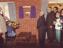 Unveiling of the plaque at the clubhouse 10 April 1988
