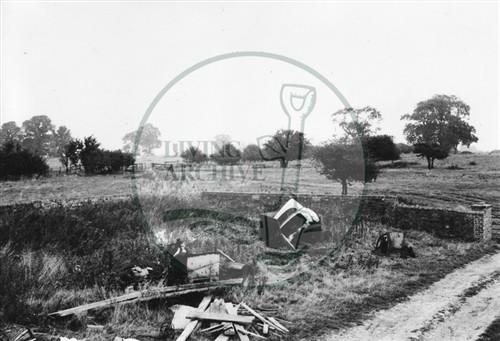 Photograph of Kiln Farm barn south of Stony Stratford (1972).