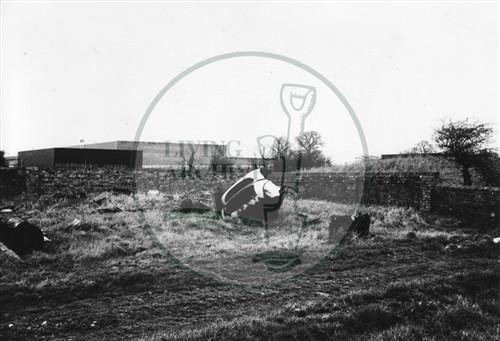 Photograph of Kiln Farm barn south of Stony Stratford 1978.