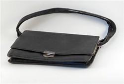 Black ladies handbag.