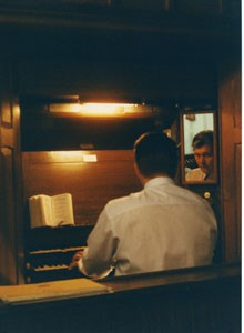 Photograph of an organist.