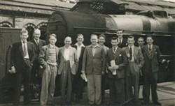 Improvement Class workers alongside Engine 45707 of the 1934 79-ton Jubilee class - named 'Valiant'.