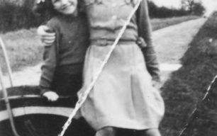 Ada & Rosemary Stephenson in Common Lane, Old Bradwell