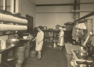 The school canteen [BLEP3609].