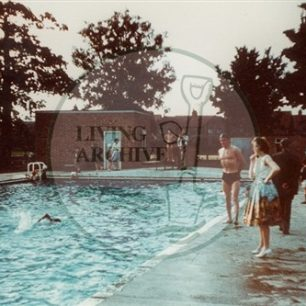 Queens Pool , Central Gardens just off the Bletchley Road. Illustrative photograph supplied by kind permission of BCHI (Accession Ref: BLE/P/ 627).Original donated by Mrs Corden.