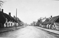 Photograph of Old Style Cottages, Aylesbury