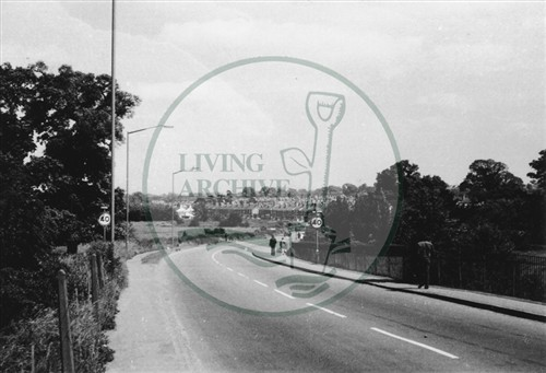 Photograph of road from Wolverton station to New Bradwell (1971).