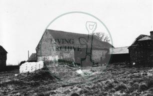 Photograph of Kiln Farm barn south of Stony Stratford 1975.