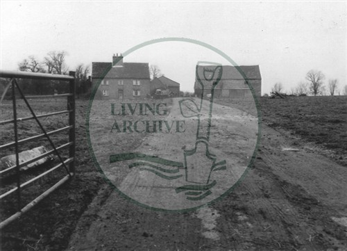 Photograph of derelict farm Woughton on the Green (1971).