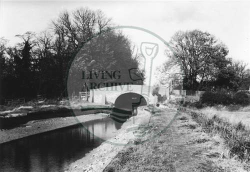 Photograph of Peartree canal bridge and towpath (1972).