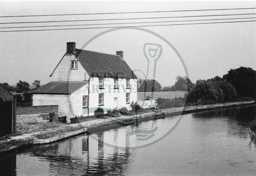 Photograph of canal side cottage at Great Linford (1971).