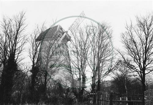 Photograph of new Bradwell windmill (1971).
