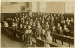 Wolverton Infants School 1913.
