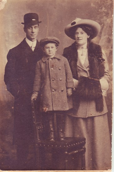 Mr. and Mrs. F.W. Brown with Frank jnr.