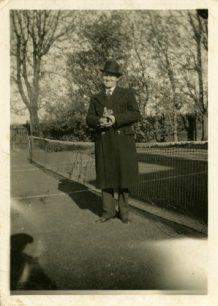 A man on a tennis court