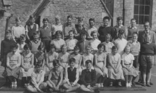 Mixed School Group (Doris W.)