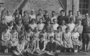 Mixed School Group (Doris W.)