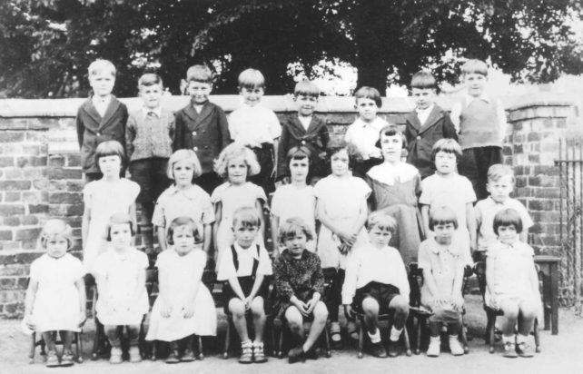 Old Bradwell Infants Class group