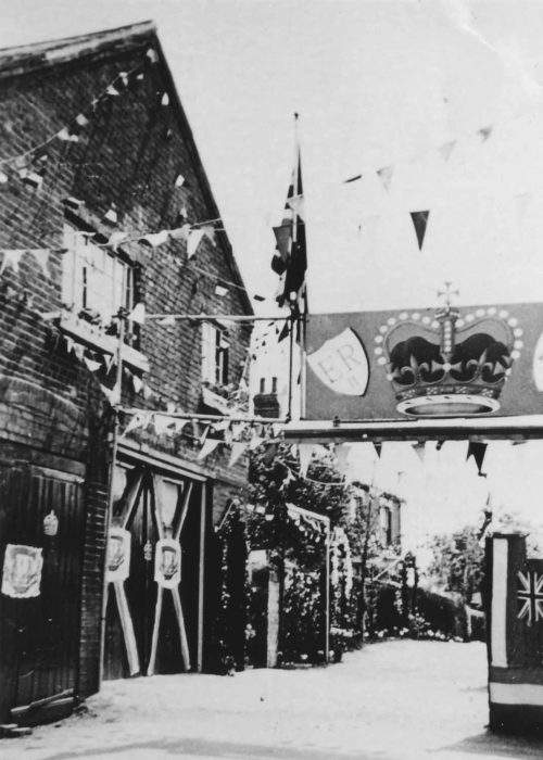 1953 Coronation - The arch with painted crown in Wood Street