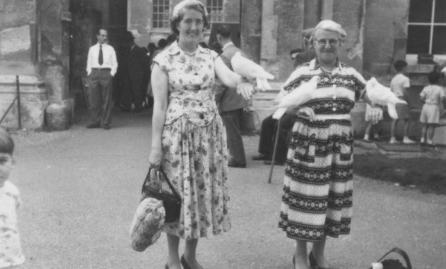 Ivy Leaf Club visit to Hampton Court. Kathleen Berridge and Mrs Massey