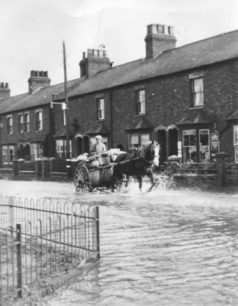Corner Pin floods with horse and cart 1947.