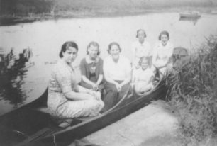 River on Sunday afternoon. Grace Wooton, Joan Watts, Rose Watts, Eunice Brightman, Ivey Wood, Florrie Roddis