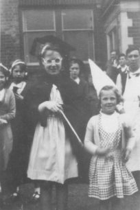 Anne & Mary Shemwell dressed for a fete in 1950