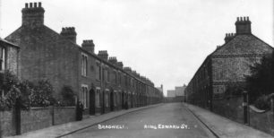 King Edward Street, New Bradwell, almost deserted.