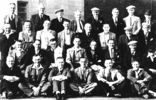 Possibly members of the Bradwell Working Men`s Club outing.