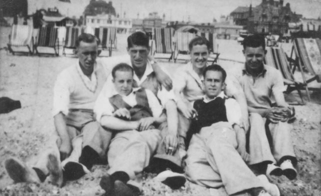 Old Bradwell men at annual outing to Yarmouth.