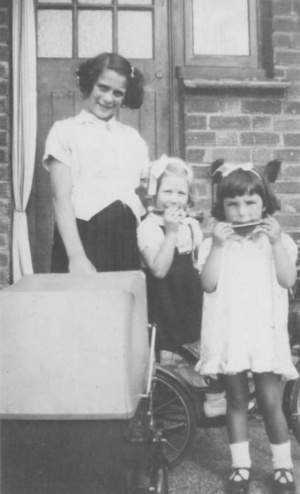 Joy Walker with 2 children evacuated to Old Bradwell in 1940-41.
