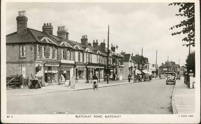 Bletchley Road between Co-op and Railway goods yard 1952-53