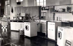 Holdoms Kitchenware with Washing Machines