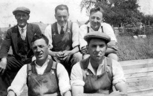 Workmen including Thomas Shean, Stony Stratford 1932
