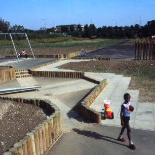 Oldbrook play area garden