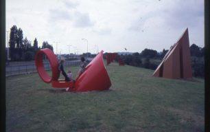 Steel sculptures with children