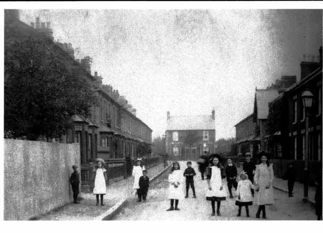 Photograph of Oxford Street, Bletchley in 1912