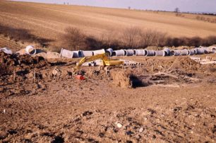 Large bore pipe laying