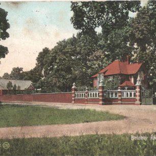 Bletchley Park Gates, Bletchley
