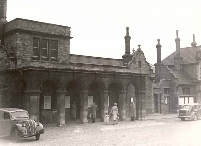 Bletchley Station forecourt and hotel