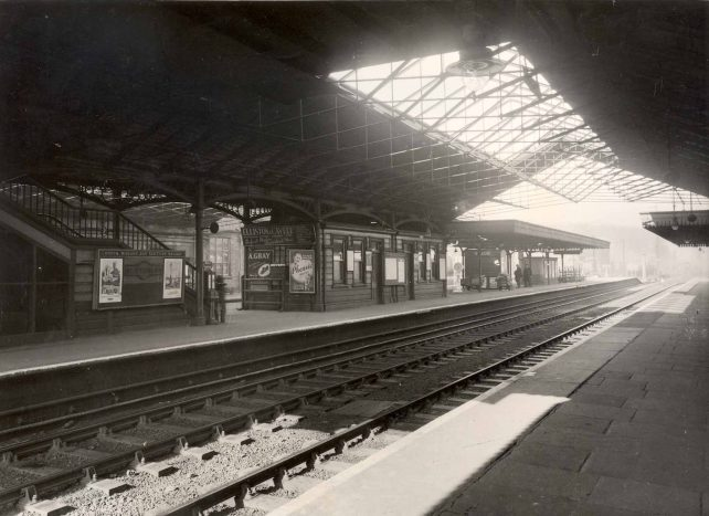 Bletchley Station Platforms 3 and 4