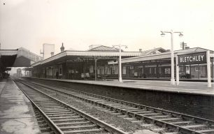 Bletchley Station Platforms looking north from Platform 3 after redesign 1952