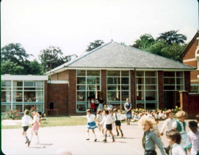 Country Dancing, Infants, dancing in pairs - 1980