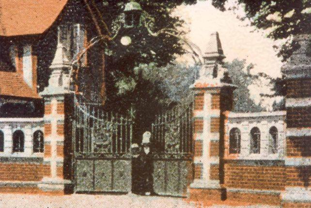Lodge Gates, Bletchley Park, Buckingham Rd.