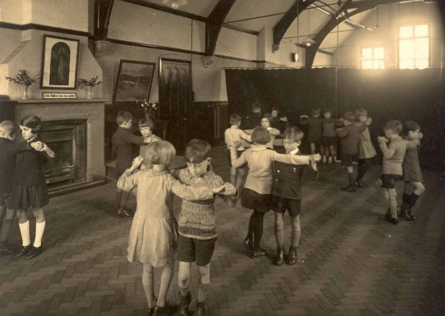 Bletchley Rd. School dancing class