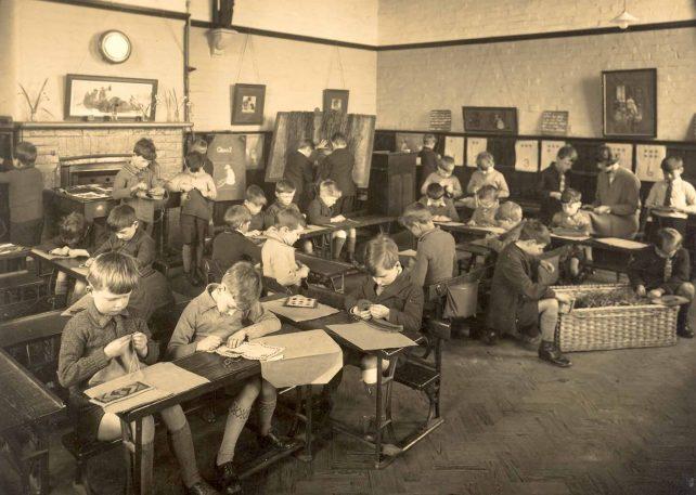 Bletchley Rd. School, handicrafts class