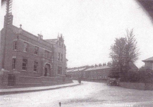 Elms Corner, Victoria Road