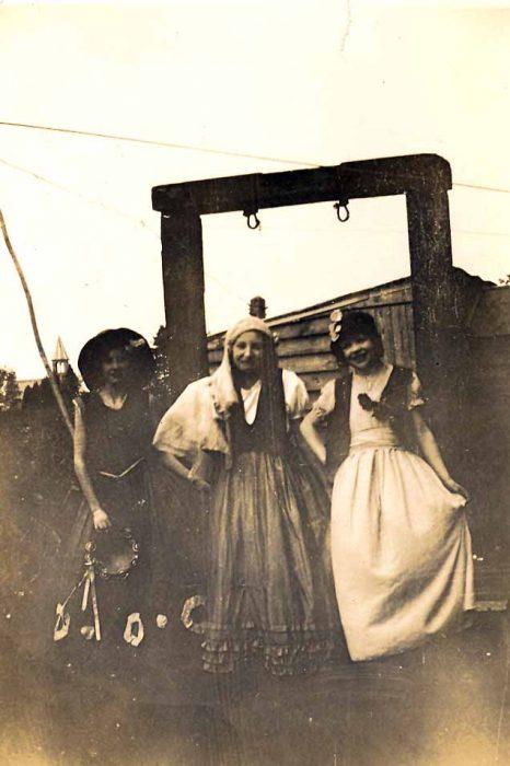 Muriel Gee, Margaret Haddon, Eunice Hill
