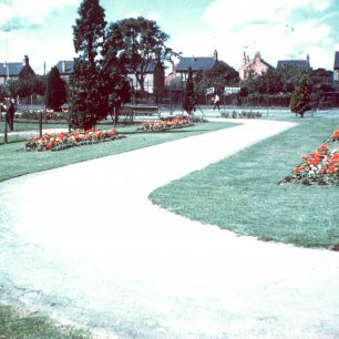 Central Gardens, Bletchley